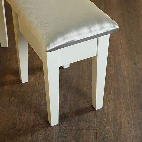 hocker sitzhocker polsterhocker hocker fu hocker f r. Black Bedroom Furniture Sets. Home Design Ideas