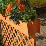 Holzsichtschutz mit Blumenkasten Pic:2